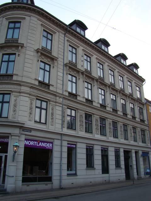 Adelgade 117-Fredericiagade 57 (b) - facaden mod Fredericiagade.JPG-for-web-large