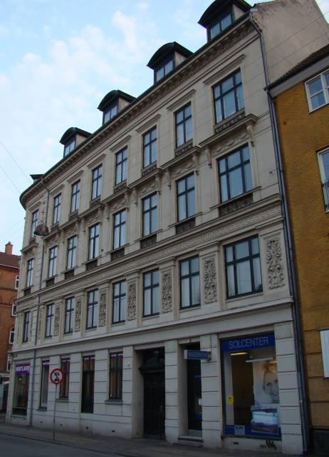 Adelgade 117-Fredericiagade 57 (d) - facaden mod Fredericiagade.JPG-for-web-large