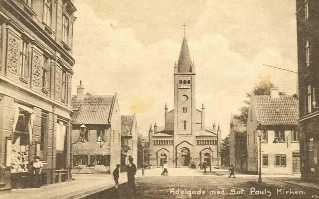 Adelgade med Sct.Pauls kirken - Dansk Lystrykkeri nr.988 - sendt i 1920.jpg-for-web-large