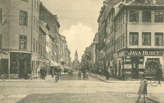Adelgade - udgivet af kiosken i Dr.Tværgade 50 - sendt i 1910.jpg-for-web-large