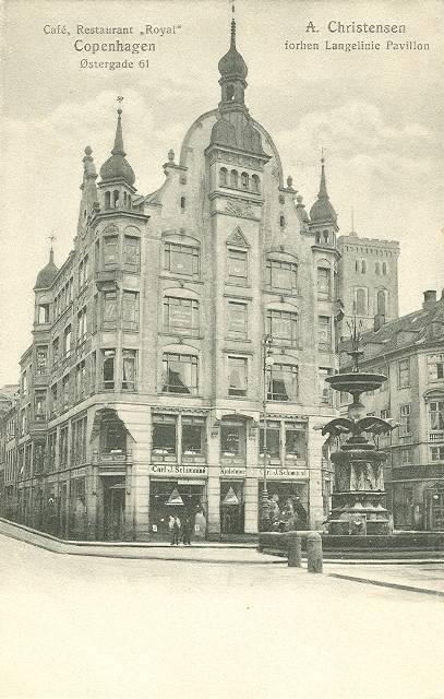 oestergade-postkort-med-hoejbrohus-ca-1915