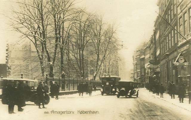Amagertorv - sneklædt set fra Vimmelskaftet - Postkort udgivet af Ove Lütken - ca.1915