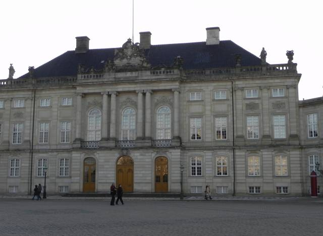 Amaliegade 19-19a-f - Amalienborg Slotsplads 1-3-3a-d - 1