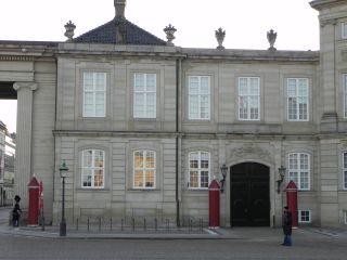 Amaliegade 19-19a-f - Amalienborg Slotsplads 1-3-3a-d - lille - th