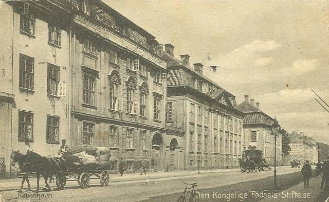 Amaliegade - Amaliegade 23-25 - Den kongelige fødselsstiftelse - postkort fra 1917