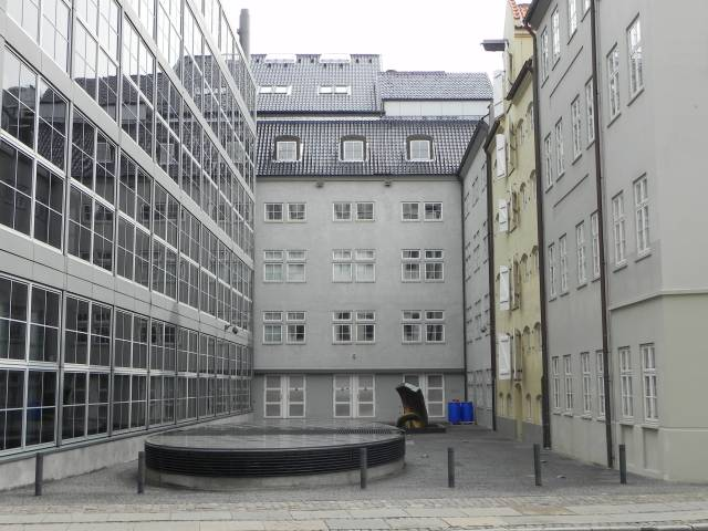Asylgade 7 - Laksegade 4-10 - Vingårdstræde 3 - 82