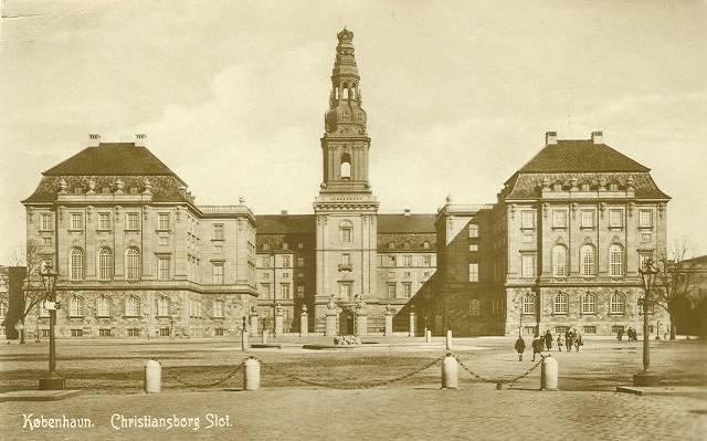 Bertel Thorvaldsens Plads 1-3 m.fl. - 1