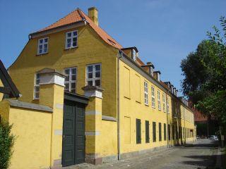 Bryghusgade 2 - Frederiksholms Kanal 30 - lille - tv