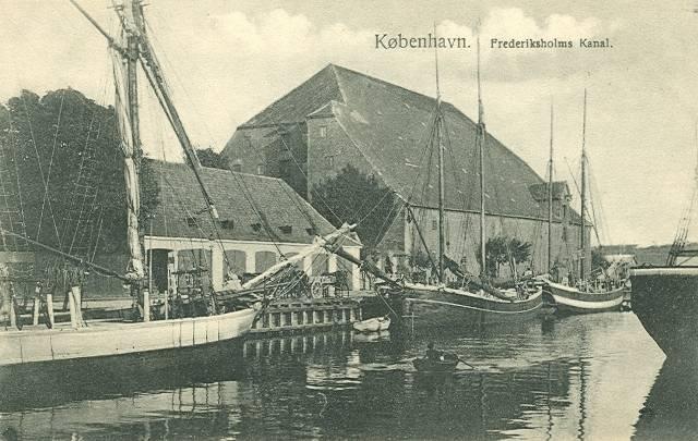 Christians Brygge 12 - Frederiksholms Kanal 29 - Tøjhusgade 3 - postkort 1