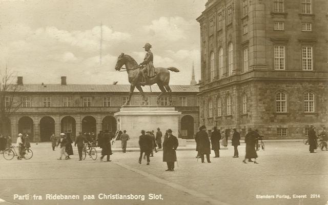 Christiansborg Ridebane - 7 - Parti fra ridebanen på Christiansborg - Stenders forlag nr.2014 - sendt i 1930