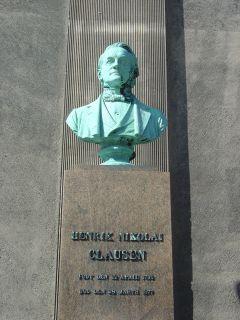 Clausen, H. N. - buste på Frue Plads