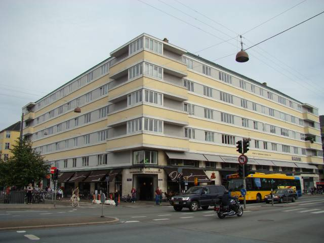Dronningensgade 55 - Torvegade 45-47 - Overgaden Oven Vandet 40 - Mikkel Vibes Gade 2 - 1