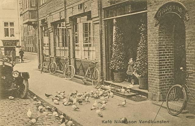 Frederiksholms Kanal 2 - Vandkunsten 1 - 6 - postkort