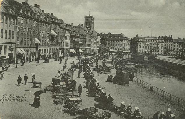 gammel-strand-postkort-set-mod-hoejbro-plads-afsendt-i-1912