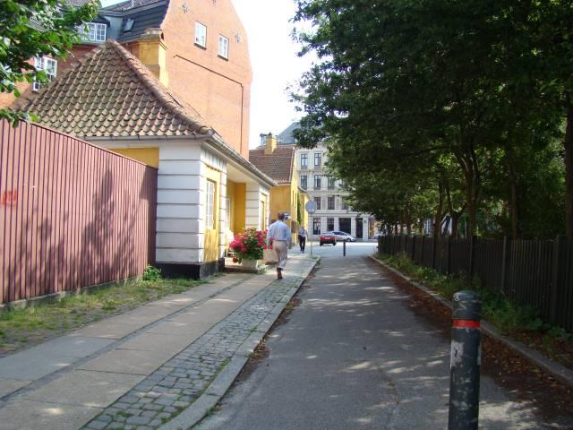 gammel-vagt-set-fra-sankt-pauls-gade-foto-fra-juli-2009