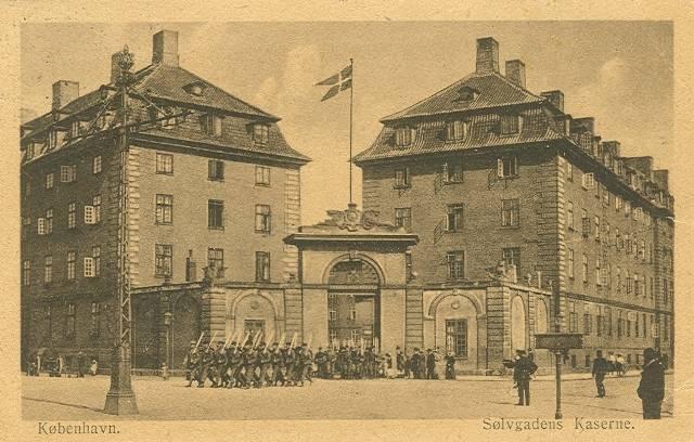 Georg Brandes Plads 2 - Sølvgade 40a-f - 11 - ældre postkort