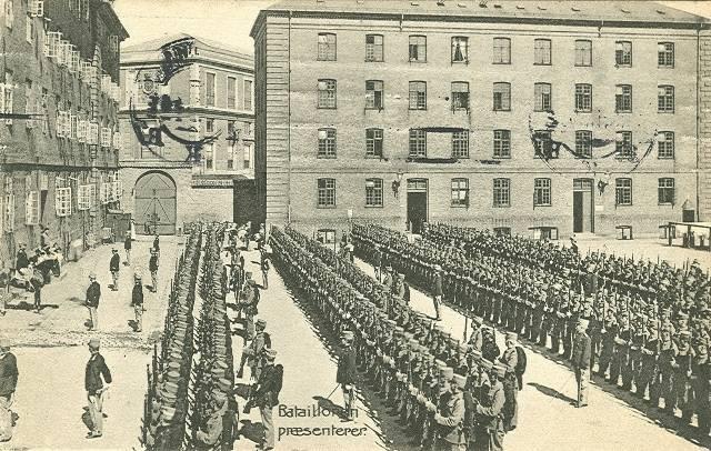 Georg Brandes Plads 2 - Sølvgade 40a-f - 12 - ældre postkort