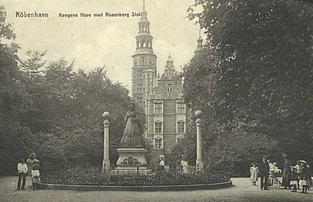 Georg Brandes Plads 3 - Gothersgade 60-76-78 - Kronprinsessegade 1-25 - Sølvgade 31 - 78 - ældre postkort