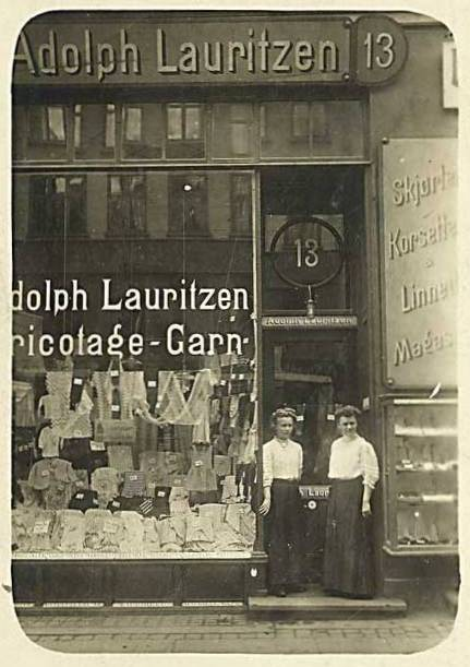 Gothersgade 13 - 5 - postkort med A.Lauritzen trikotageforretning