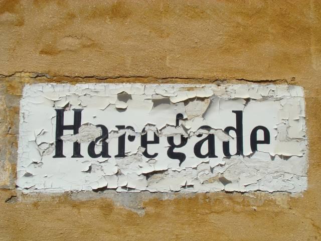 haregade-paamalet-gadenavn-foto-fra-juli-2009
