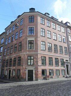 hauser-plads-14-suhmsgade-5-lille-tv