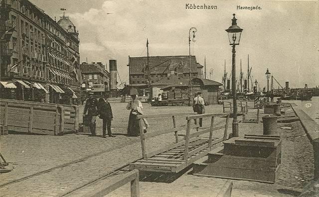 havnegade-postkort-af-ukendt-taet-ved-nyhavn-ca-1915