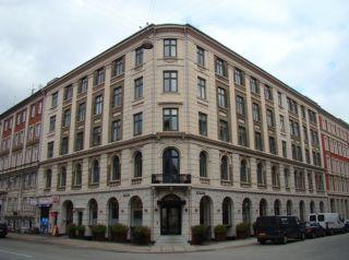 Herluf Trolles Gade 19 - Holbergsgade 26 - lille - tv