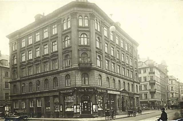 Hindegade 2 - Store Kongensgade 85 - postkort fra 1910