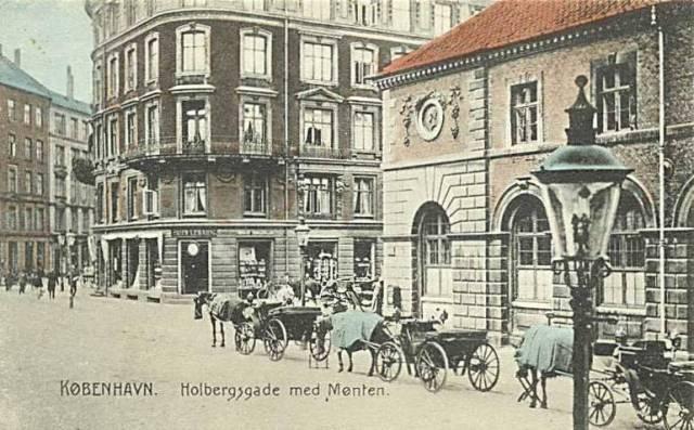 holbergsgade-med-moenten-postkort-sendt-i-1908