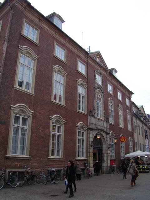 Købmagergade 33-37 - Valkendorfsgade 2-4 - Løvstræde 1-5 - 1