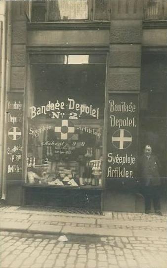 Købmagergade 49 - Skindergade 2-2a-c - 9 - Bandagedepotet handlede bl.a. med sygeplejeartikler
