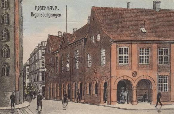 koebmagergade-regensbuegangen-postkort-fra-1908