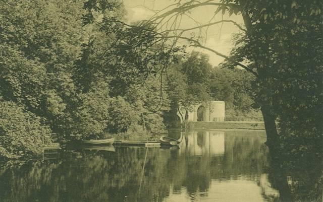 kastellet-postkort-med-kastelsgraven-sendt-i-1917