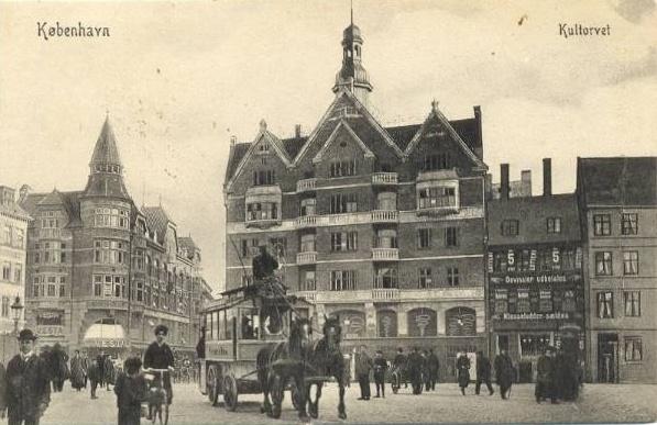 kultorvet-set-mod-koebmagergade-postkort-fra-ca-1910