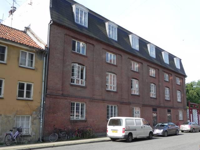 Langebrogade 6 - 10
