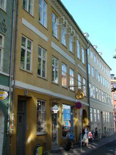Larsbjørnsstræde 26 - Sankt Peders Stræde 29-29b-31 - lille - tv