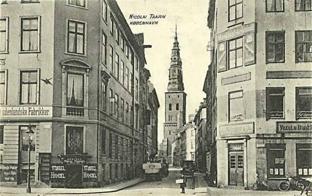 lille-kirkestraede-postkort-nr-983-set-fra-hoejbro-plads-ca-1915
