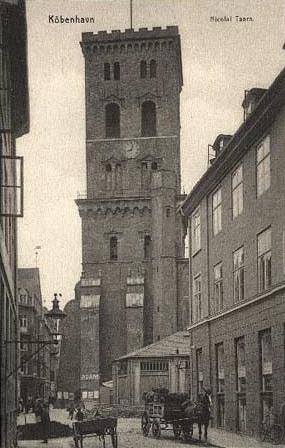 lille-kirkestraede-postkort-set-fra-admiralgade-afsendt-i-1909