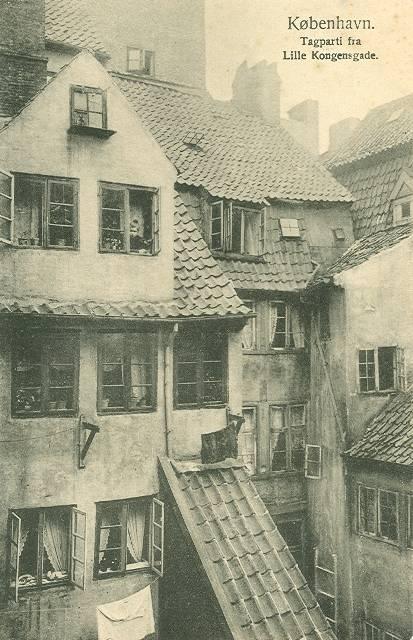 lille-kongensgade-postkort-med-tagparti-ca-1910