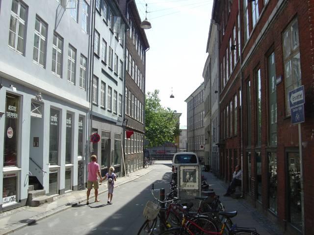 naboloes-set-fra-kompagnistraede-foto-fra-juni-2006