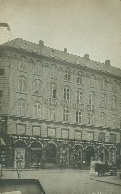 Nikolaj Plads 5 - 7 - postkort med Den Hvide Flip