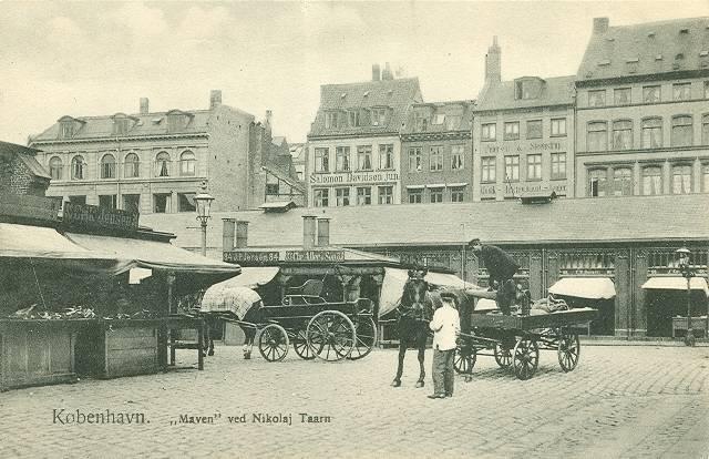 nikolaj-plads-postkort-med-slagterboderne-ca-1910