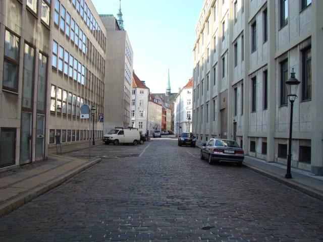 nikolajgade-set-mod-nikolaj-plads
