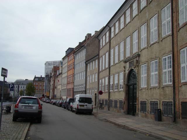 nybrogade-set-i-retning-mod-frederiksholms-kanal