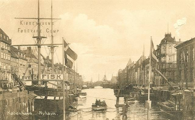 nyhavn-postkort-set-mod-havnen-ca-1915