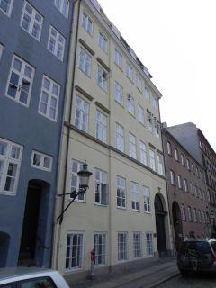Overgaden Oven Vandet 50-50a - lille - tv