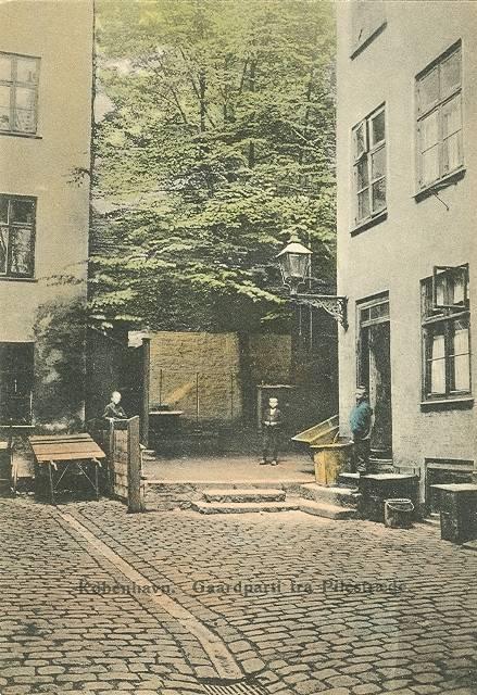 pilestraede-postkort-nr-567-med-gaardparti-ikke-afsendt