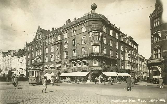 Rådhuspladsen 35-37 - Vester Voldgade 33 - Vestergade 22-28 - 29 - ældre postkort
