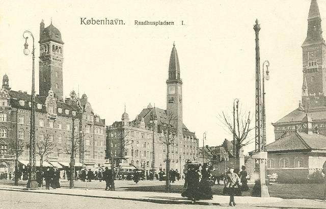 raadhuspladsen-postkort-nr-105-med-palads-politiken-raadhus-ca-1910