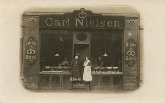rigensgade-postkort-med-bageri-i-nr-24-afsendt-i-1912